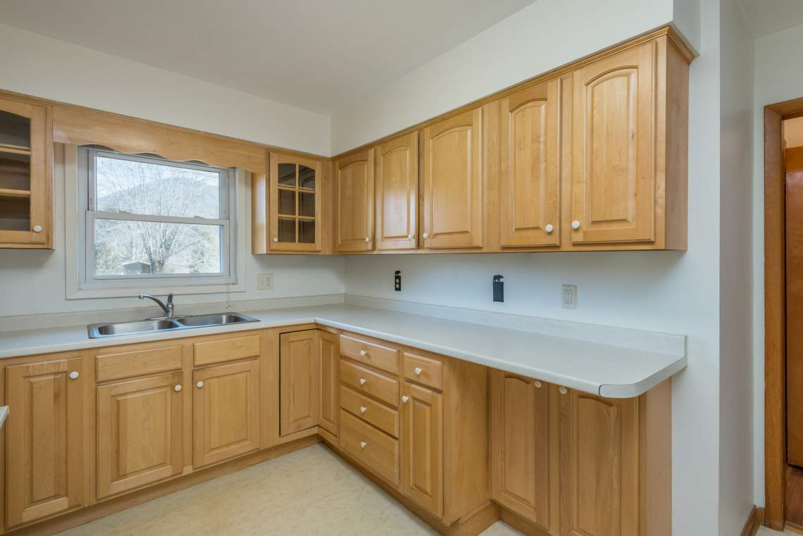 13-Kitchen-B