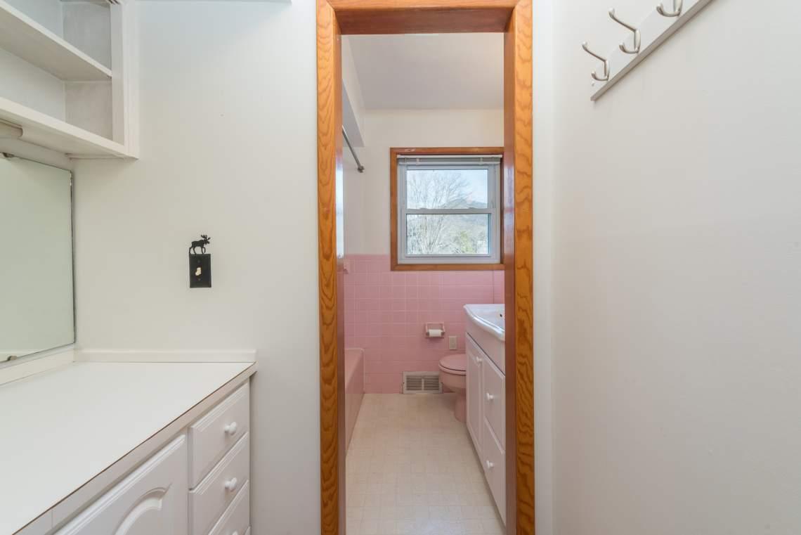 17-Bathroom-A