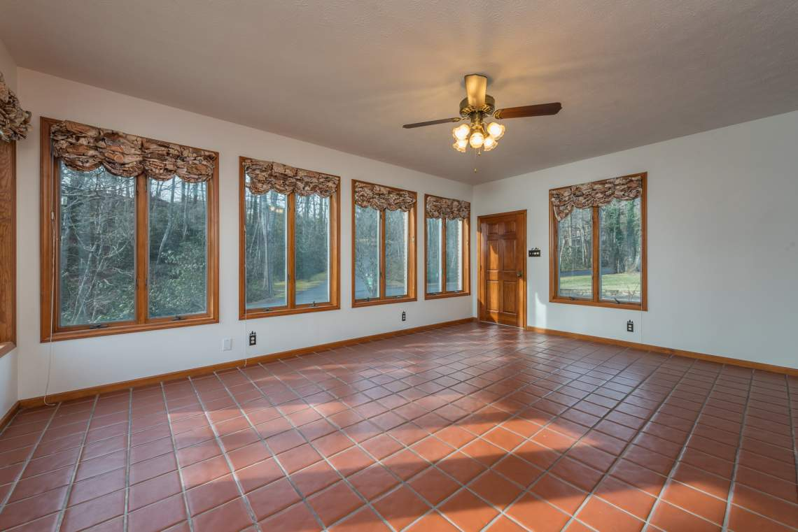 6-Sunroom