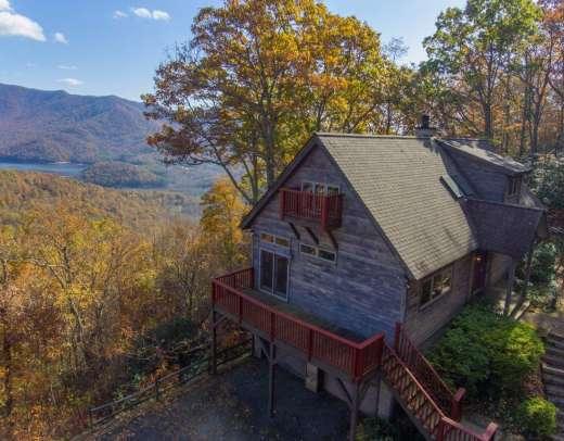 12 Lake Wood Avenue, Black Mountain