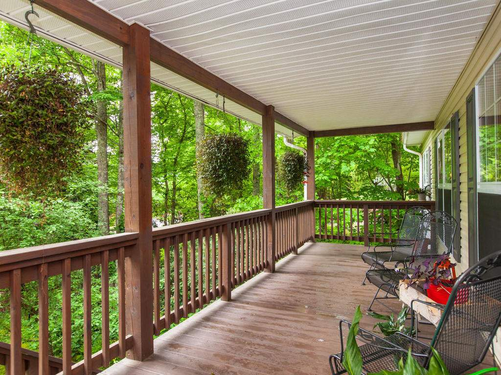 16-Daniel-Ln-Black-Mountain-NC-007-22-Front-Porch-MLS_Size
