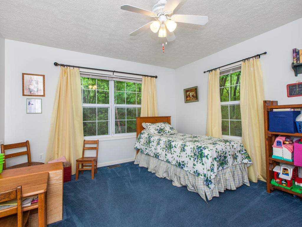 16-Daniel-Ln-Black-Mountain-NC-023-13-Bedroom-MLS_Size