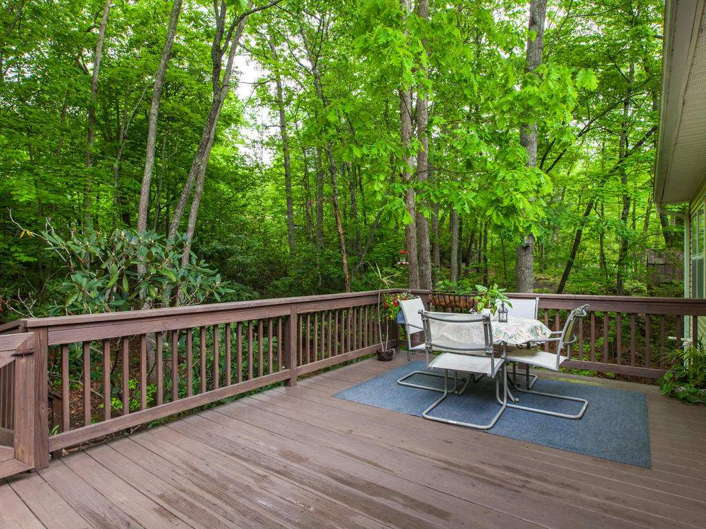 16-Daniel-Ln-Black-Mountain-NC-037-34-Deck-MLS_Size