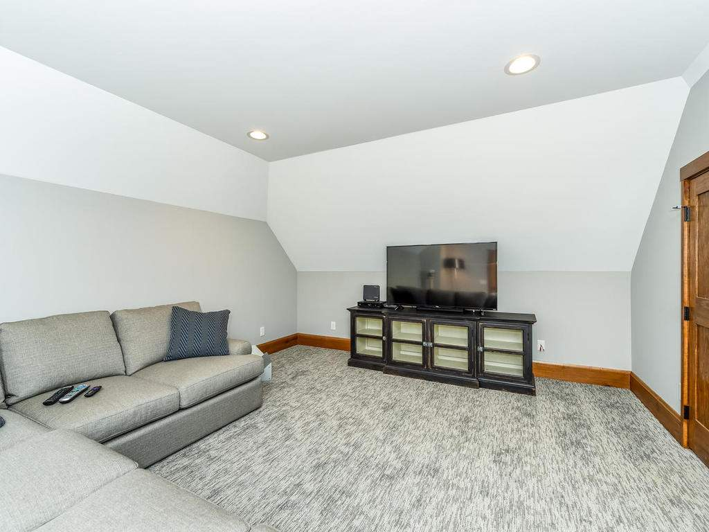 22-Keats-Rd-Black-Mountain-NC-033-24-Bonus-Room-MLS_Size