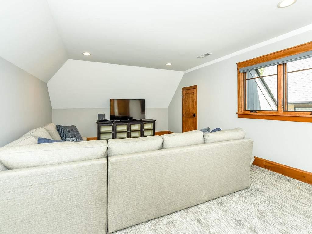 22-Keats-Rd-Black-Mountain-NC-034-23-Bonus-Room-MLS_Size