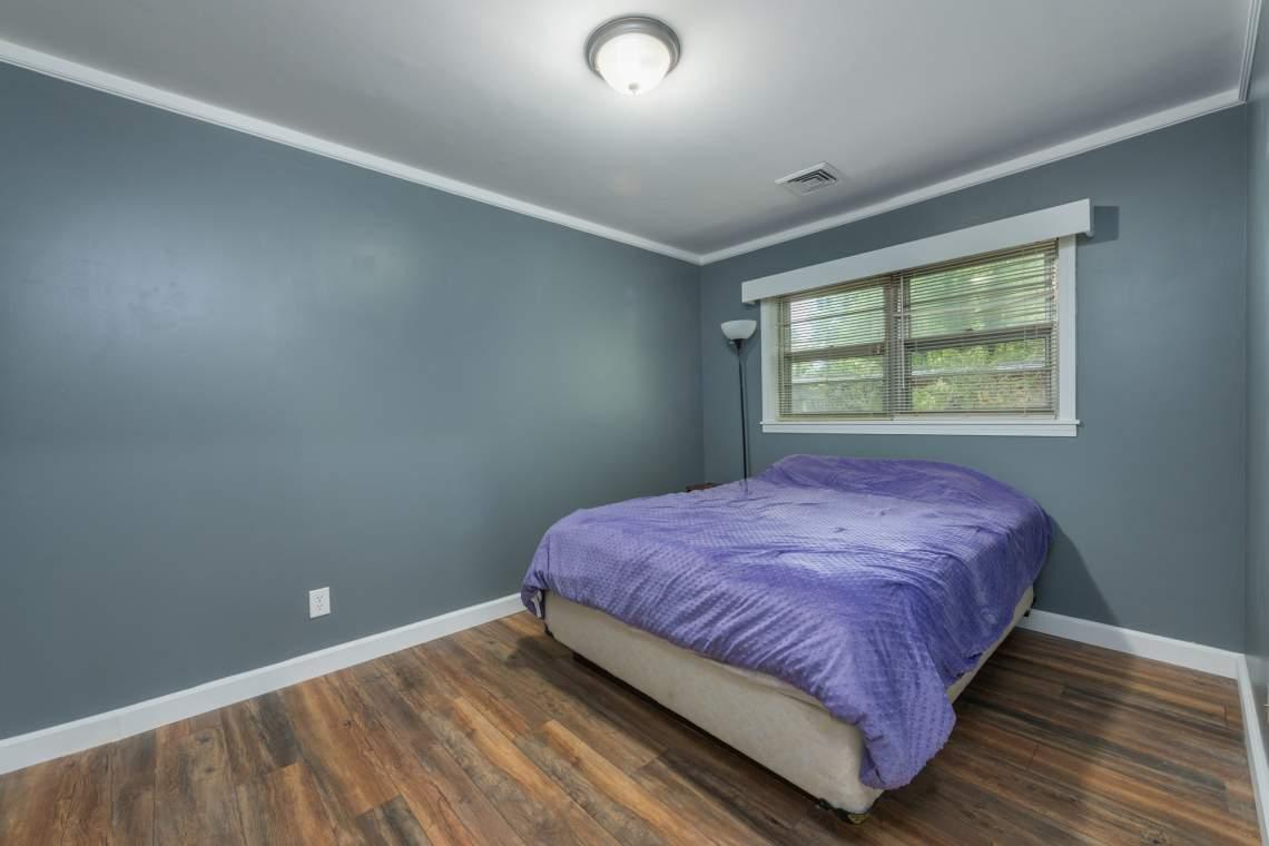 20-Larger-Bedroom