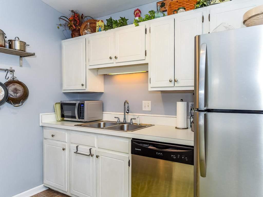 34-Knoll-Ridge-Dr-Asheville-NC-014-40-Kitchen-MLS_Size