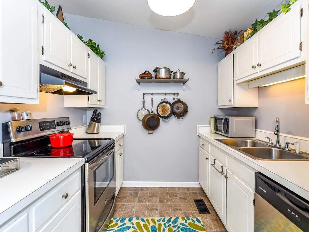 34-Knoll-Ridge-Dr-Asheville-NC-015-37-Kitchen-MLS_Size