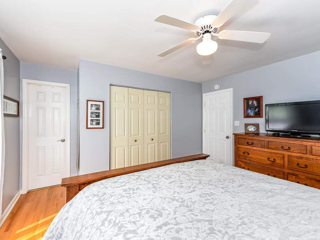 34-Knoll-Ridge-Dr-Asheville-NC-017-10-Master-Bedroom-MLS_Size