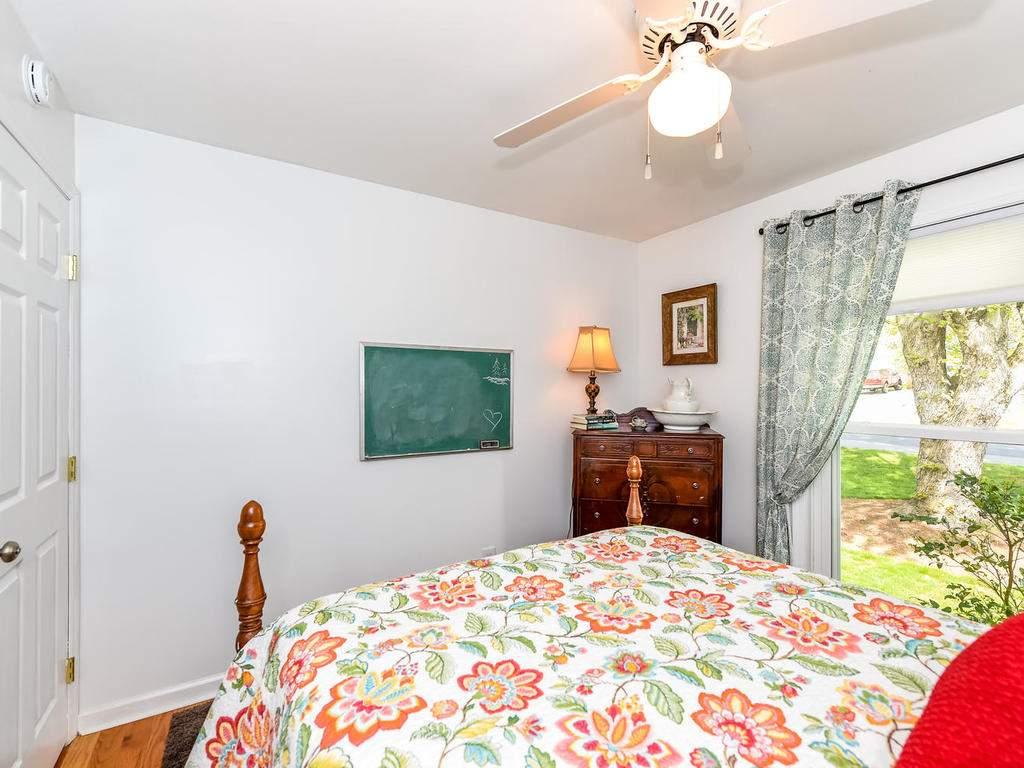 34-Knoll-Ridge-Dr-Asheville-NC-021-17-Bedroom-2-MLS_Size