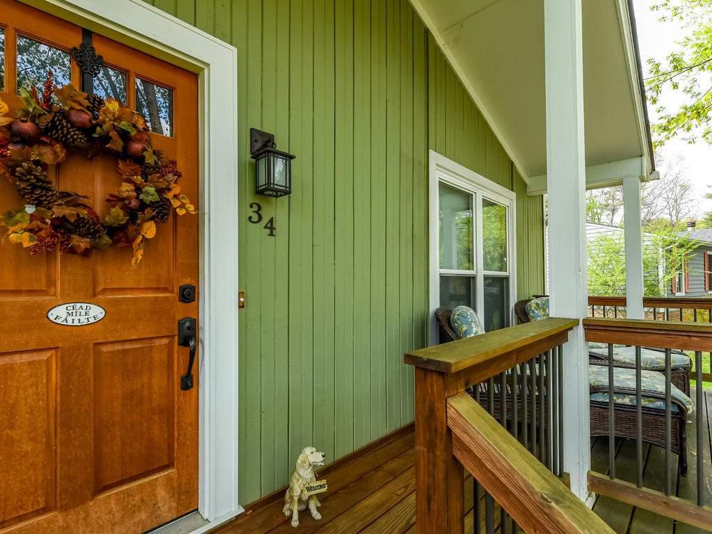 34-Knoll-Ridge-Dr-Asheville-NC-031-22-Front-Porch-MLS_Size