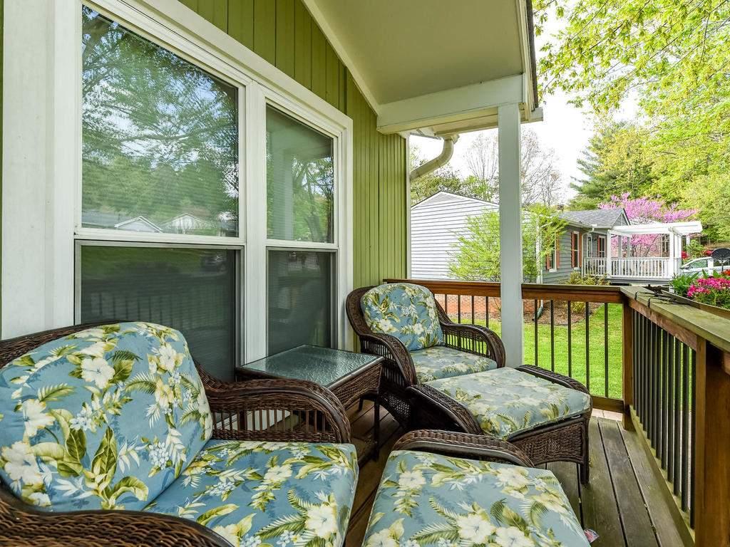 34-Knoll-Ridge-Dr-Asheville-NC-032-48-Front-Porch-MLS_Size