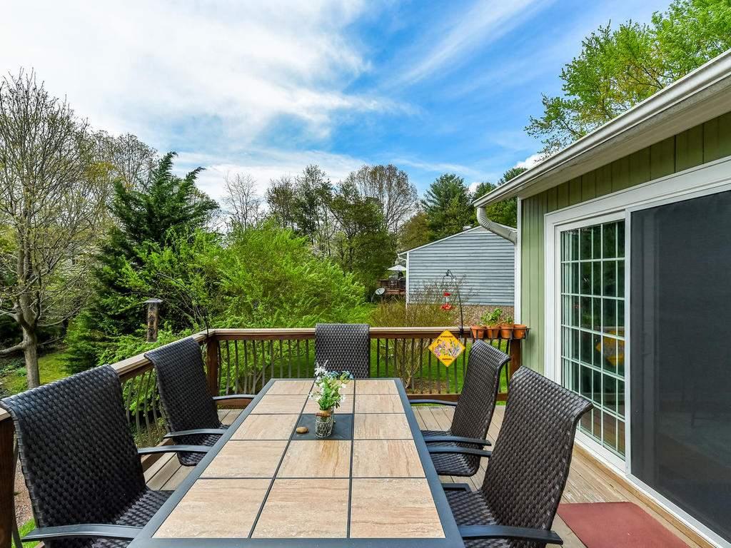 34-Knoll-Ridge-Dr-Asheville-NC-033-30-Deck-MLS_Size