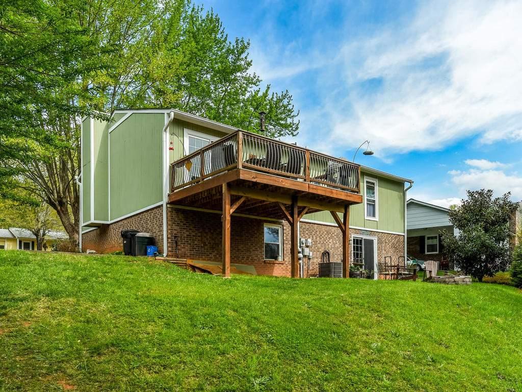 34-Knoll-Ridge-Dr-Asheville-NC-036-46-Back-View-MLS_Size