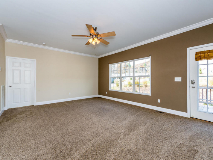36 Luther Cove Rd Candler NC-004-10-Living Room-MLS_Size