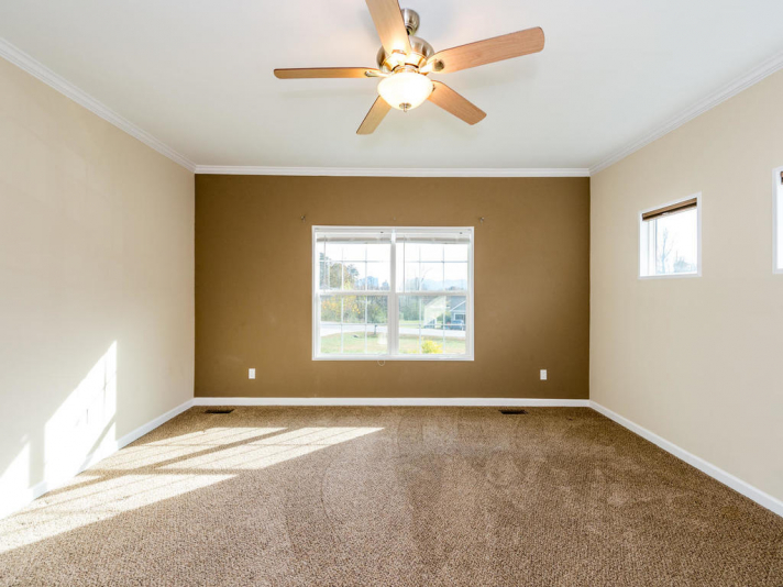 36 Luther Cove Rd Candler NC-014-32-Master Bedroom-MLS_Size