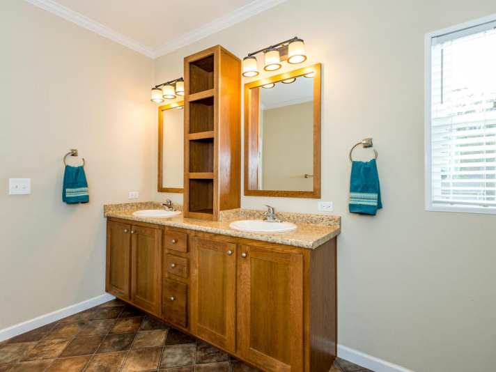 36 Luther Cove Rd Candler NC-015-16-Master Bath-MLS_Size