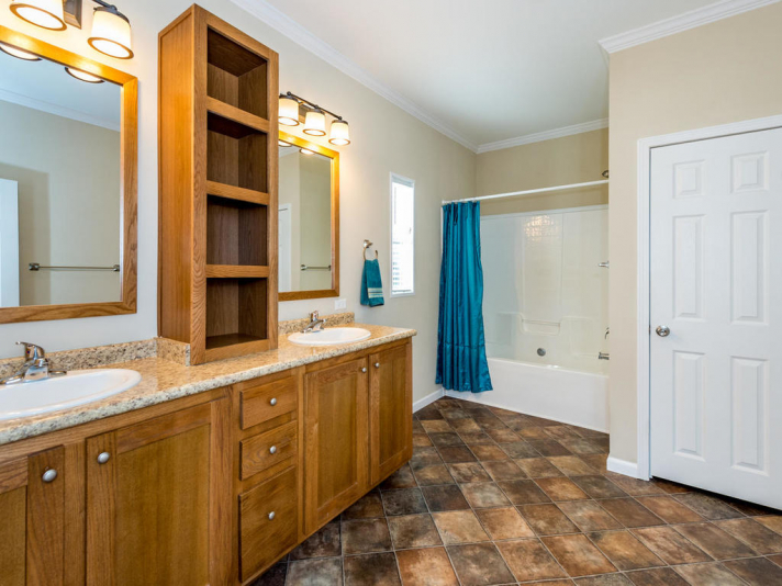 36 Luther Cove Rd Candler NC-016-12-Master Bath-MLS_Size