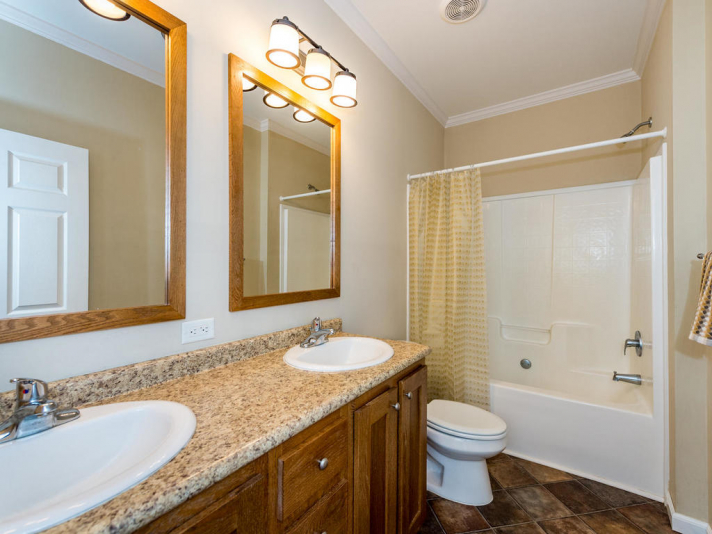 36 Luther Cove Rd Candler NC-023-22-Bathroom-MLS_Size