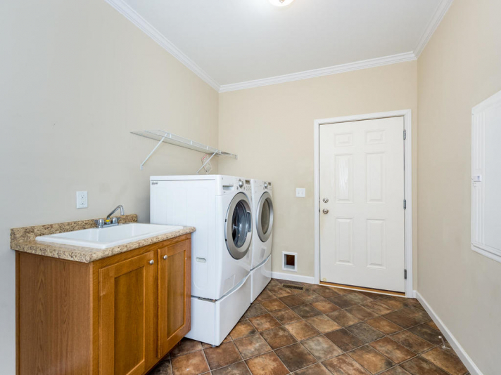 36 Luther Cove Rd Candler NC-024-3-Laundry-MLS_Size