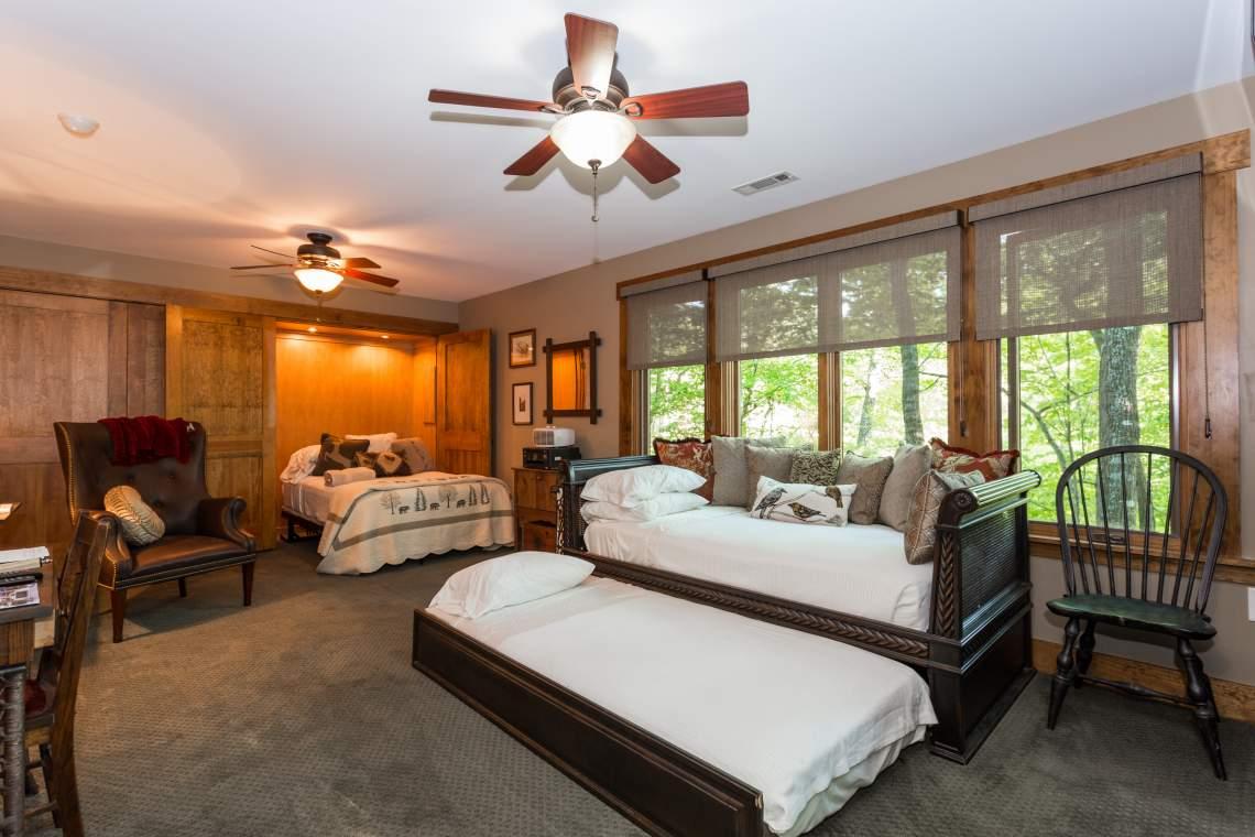 Lower-Bedroom