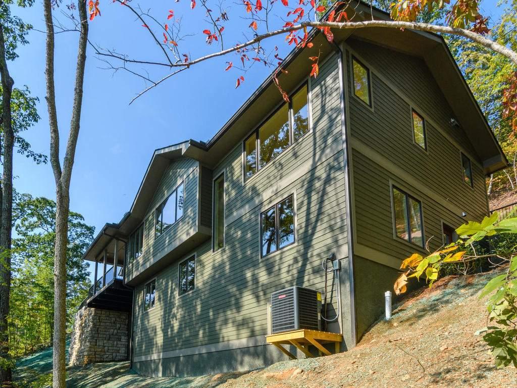 431-Chapel-Rd-Black-Mountain-MLS_Size-031-27-Back-of-House-1024x768-72dpi