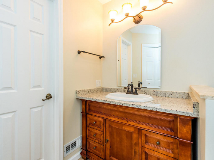 45_W_Cotton_Ave_Black_Mountain-014-27-Master_Bath-MLS_Size