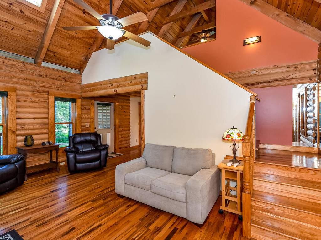 699-N-Oconeechee-Ave-Black-007-9-Living-Room-MLS_Size