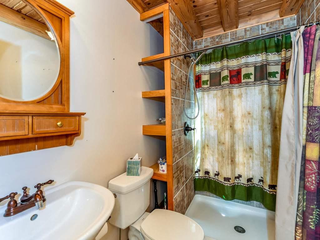 699-N-Oconeechee-Ave-Black-024-15-Bathroom-MLS_Size