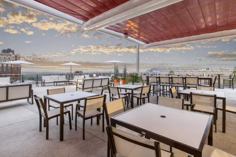 Hemingway's Cuba Restaurant & Bar at The Cambria