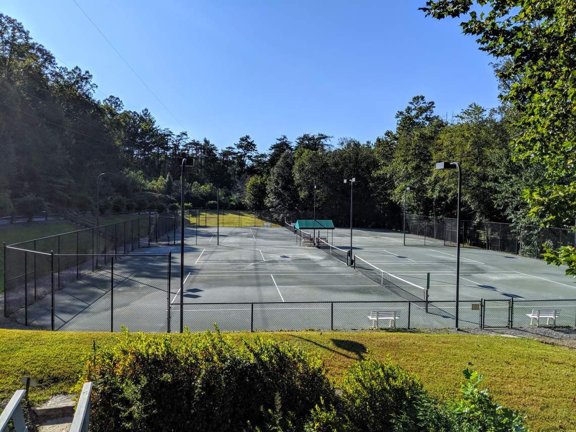 Creekside Racquet Club Outdoor Har-Tru Courts