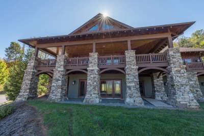 Asheville Homes with a Clubhouse Nearby