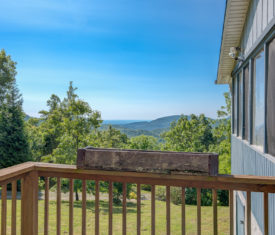 Cabin with views on Old Fort Road in Black Mountain