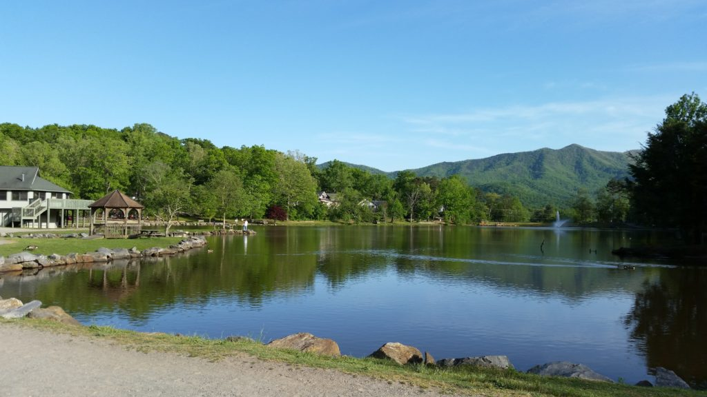 Lake Tomahawk Park, Black Mountain